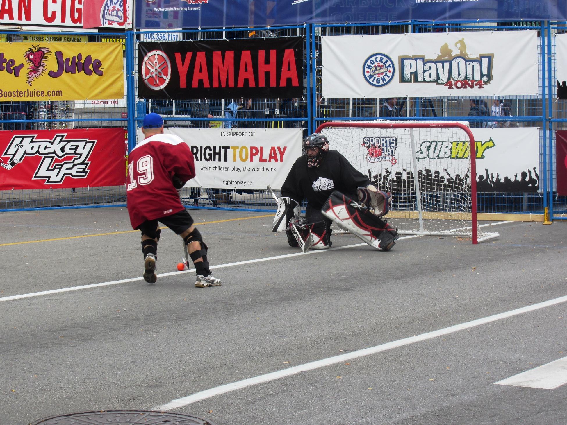Play On Canadian Street Hockey Championship In Niagara Falls