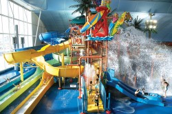 Holiday Magic Packages connect you with family experiences at Fallsview Indoor Waterpark.