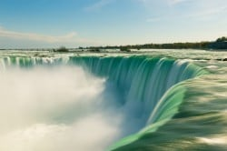 Discover the beauty of the Horseshoe Falls on a Niagara Falls tour with Magnificent Tours.